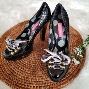 Betsey Johnson Black Patent Leather Bow Heel Pumps
